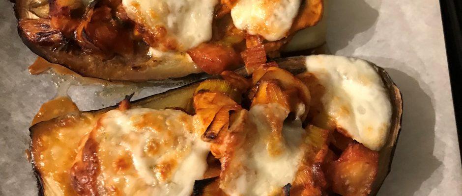 Aubergine gevuld met kip en champignons